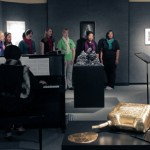 SIUE students sing in the MUC art gallery